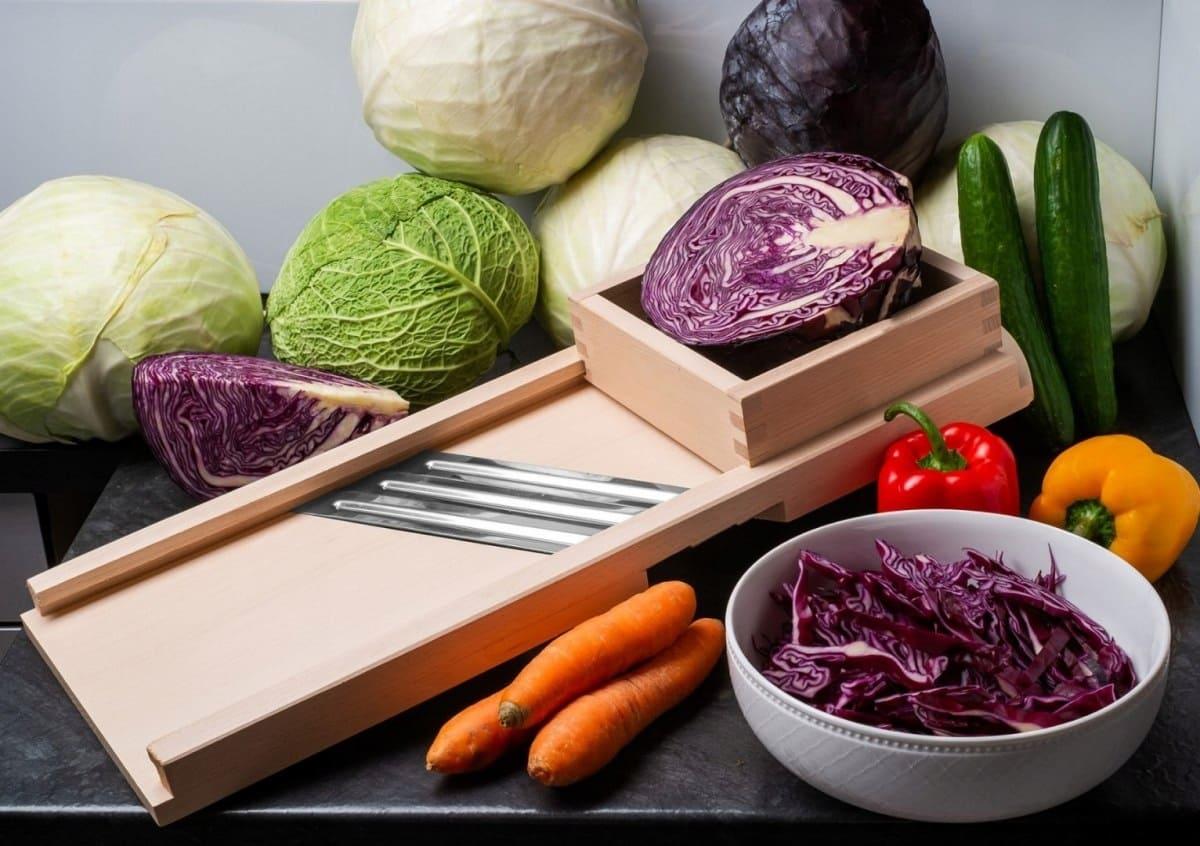 Как правильно шинковать капусту ножом для капусты и другими способами