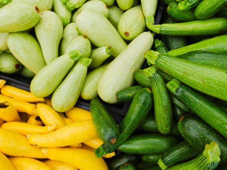 Белоплодные кабачки, зеленые и желтые цукини